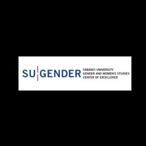 """Beyaz zeminde büyük mavi harflerle, SU GENDER"""" yazıyor. Kelimeler arasında kırmızı dikey iki çizgi. Yazının sağında büyük mavi harflerle sırasıyla alt alta, """"Sabancı University, Gender and Woman Studies, Center of Excellence"""" yazıyor."""